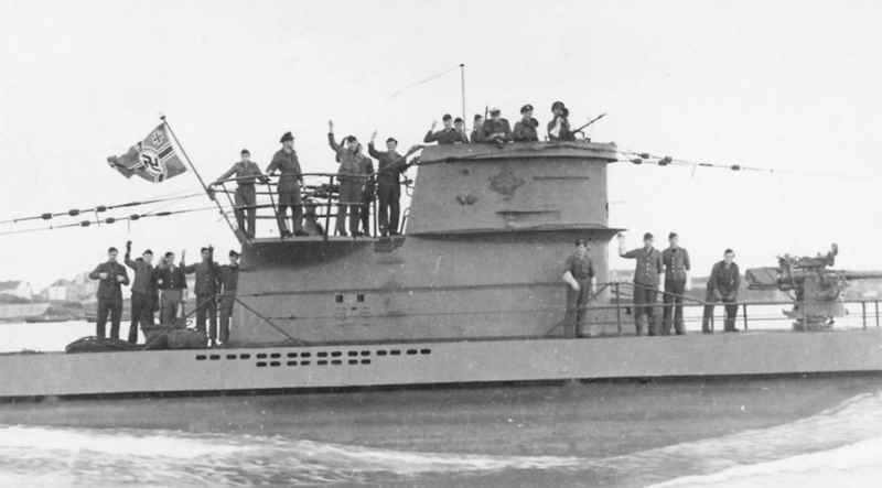 13 Germans On Submarine